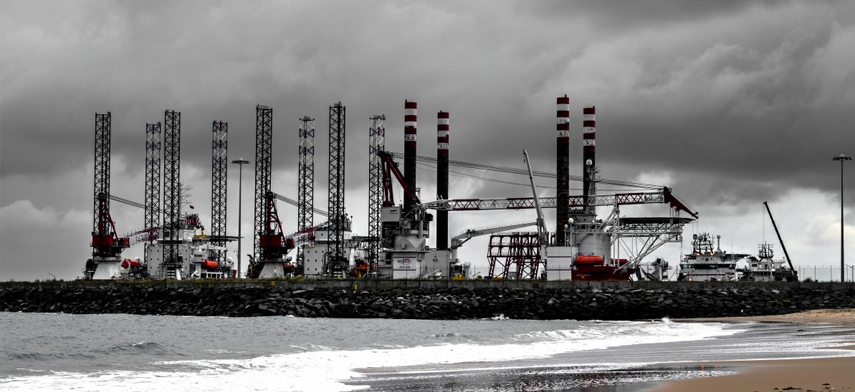 Mobility in oil and gas for field monitoring, measurement and safety